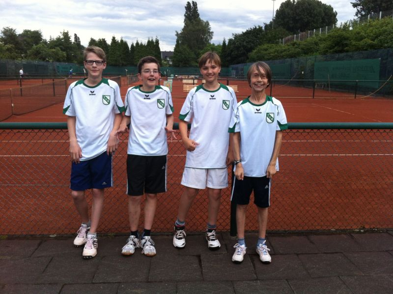 Jugendmannschaft bei Medenspielen des Verbands