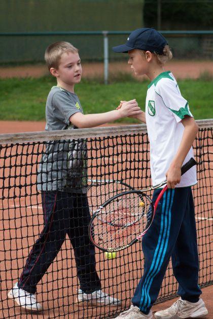 wöchentlicher Tennisnachmittag in Kooperation mit der Stiftsschule